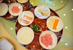 红花岗治疗痛风医院专家介绍:痛风患者的饮食注意事项
