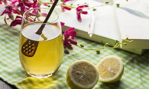 在一天当中什么时候喝蜂蜜水最好?